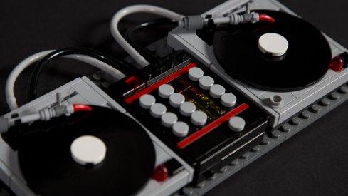 lego-turntables-dj-setup
